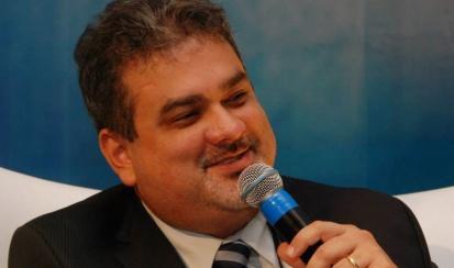 William Caprino  – Diretor Comercial (Clavis Segurança daInformação)